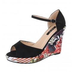 Rožasti sandali s polno peto 2-KL